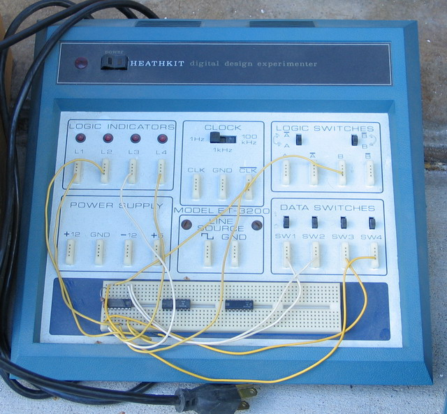 The Heathkit ET-3200 Digital Design Experimenter